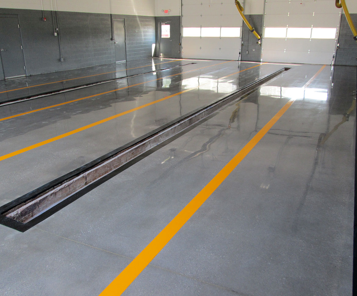 BlackRock Industrial Garage Metallic Floor
